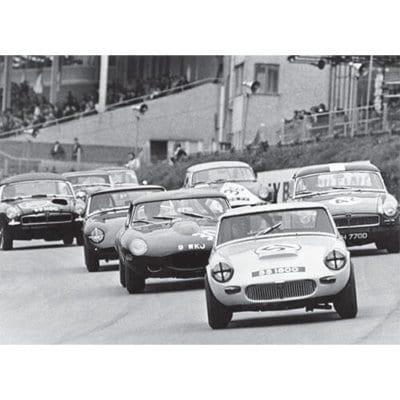 Brands Hatch, Paddock Hill bend, 1960s - 500