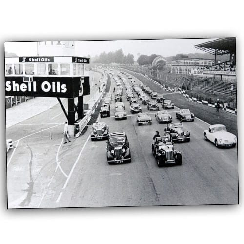 MG Parade, Brands Hatch circuit 1970s 500×500